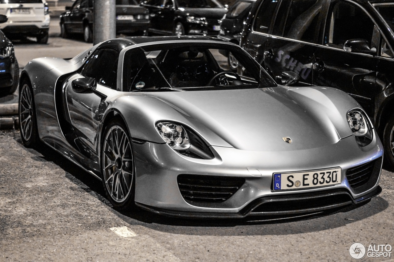 porsche 918 spyder weissach package 15 april 2015 autogespot. Black Bedroom Furniture Sets. Home Design Ideas