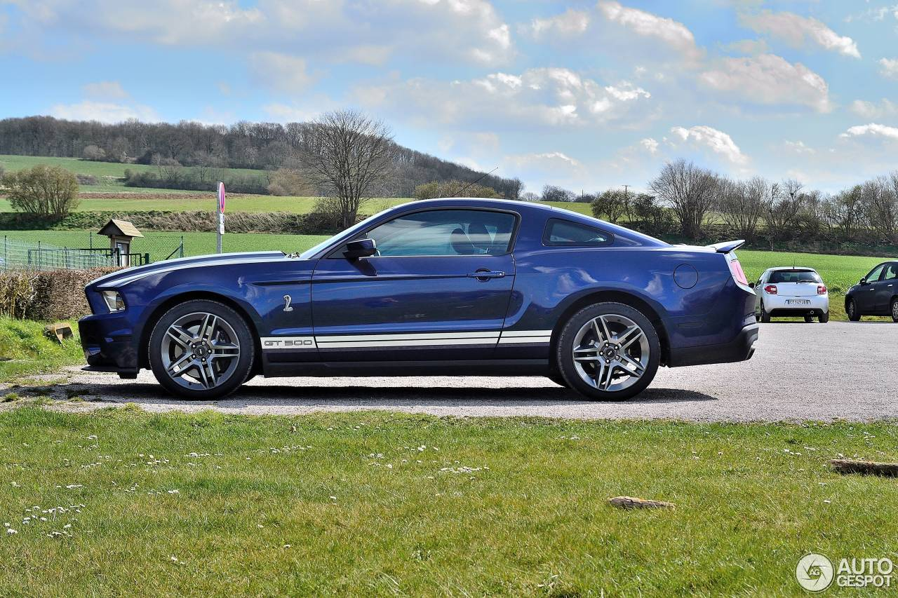 ford mustang shelby gt500 2011 17 avril 2015 autogespot. Black Bedroom Furniture Sets. Home Design Ideas