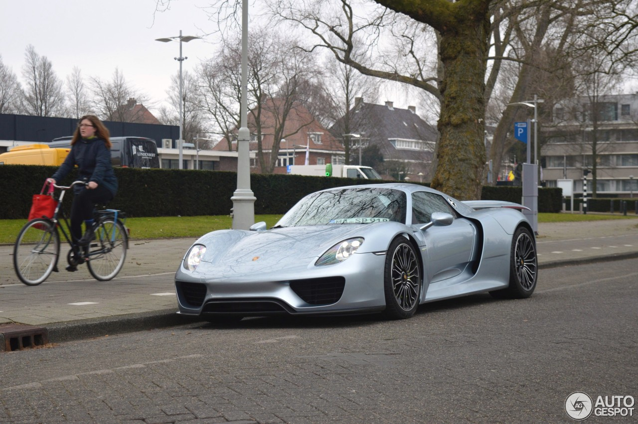 photo of Xavier Naidoo Porsche 918 - car