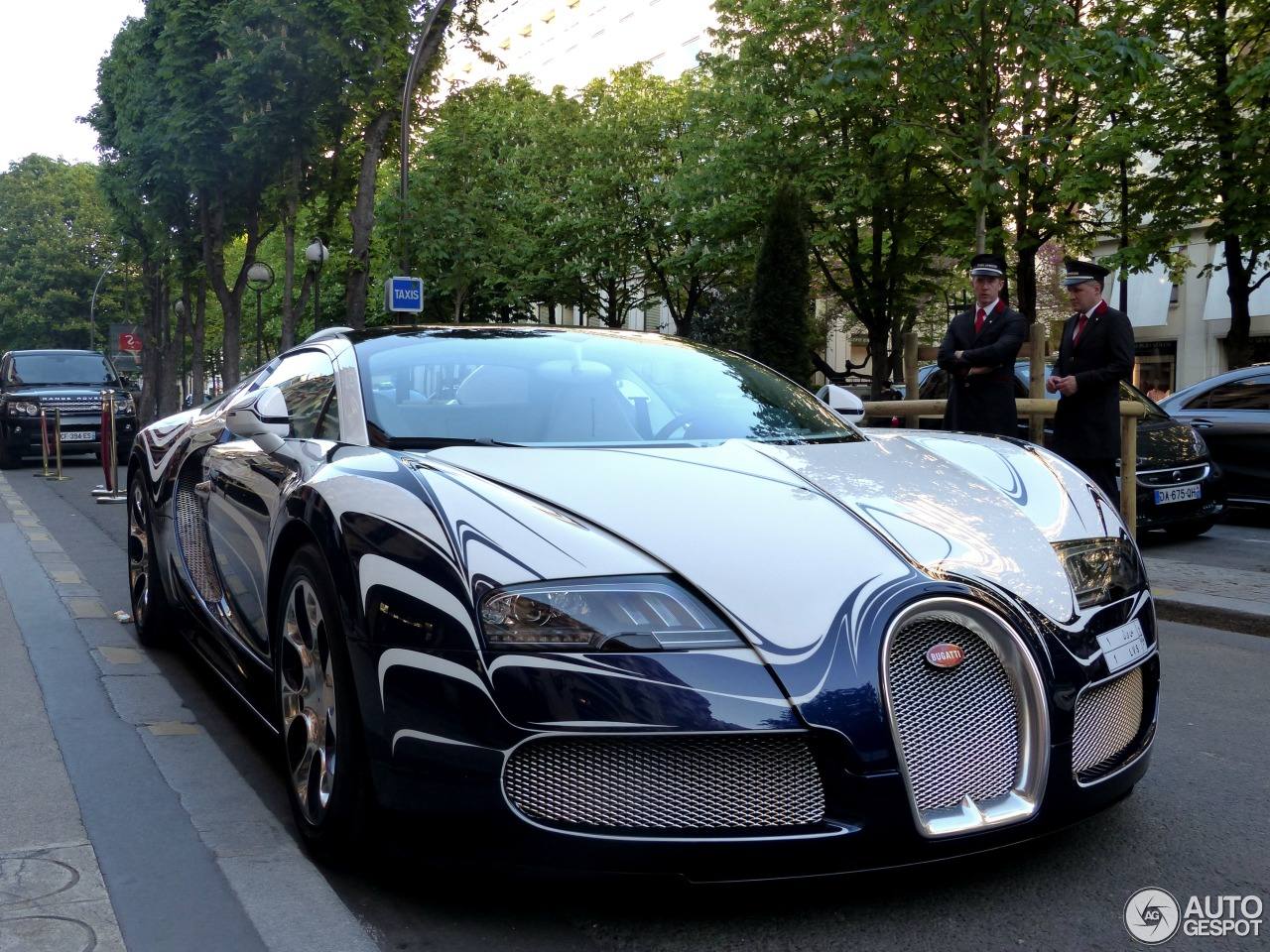 bugatti veyron 16 4 grand sport l 39 or blanc 22 avril 2015 autogespot. Black Bedroom Furniture Sets. Home Design Ideas