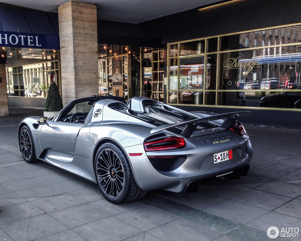 porsche 918 spyder 23 april 2015 autogespot. Black Bedroom Furniture Sets. Home Design Ideas