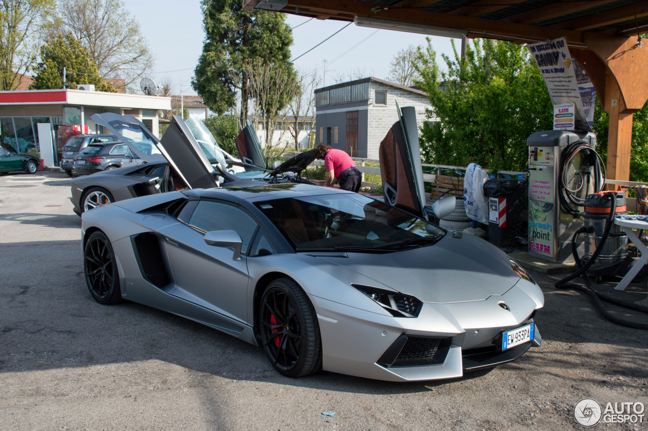lamborghini aventador lp700 4 roadster 24 aprile 2015 autogespot. Black Bedroom Furniture Sets. Home Design Ideas