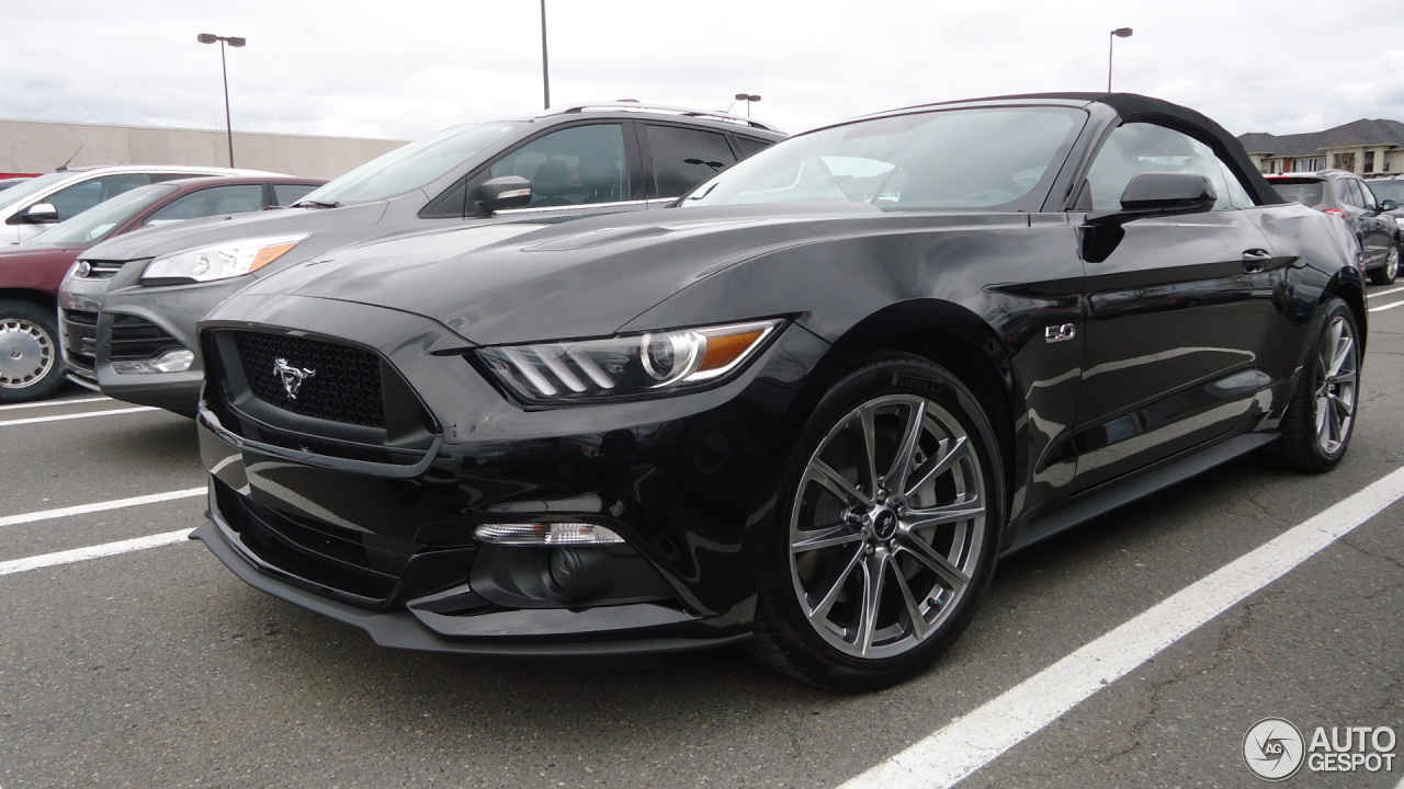 ford mustang gt convertible 2015 26 april 2015 autogespot. Black Bedroom Furniture Sets. Home Design Ideas