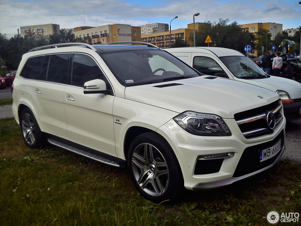 Mercedes benz gl 63 amg x166 27 april 2015 autogespot for 2015 mercedes benz gl