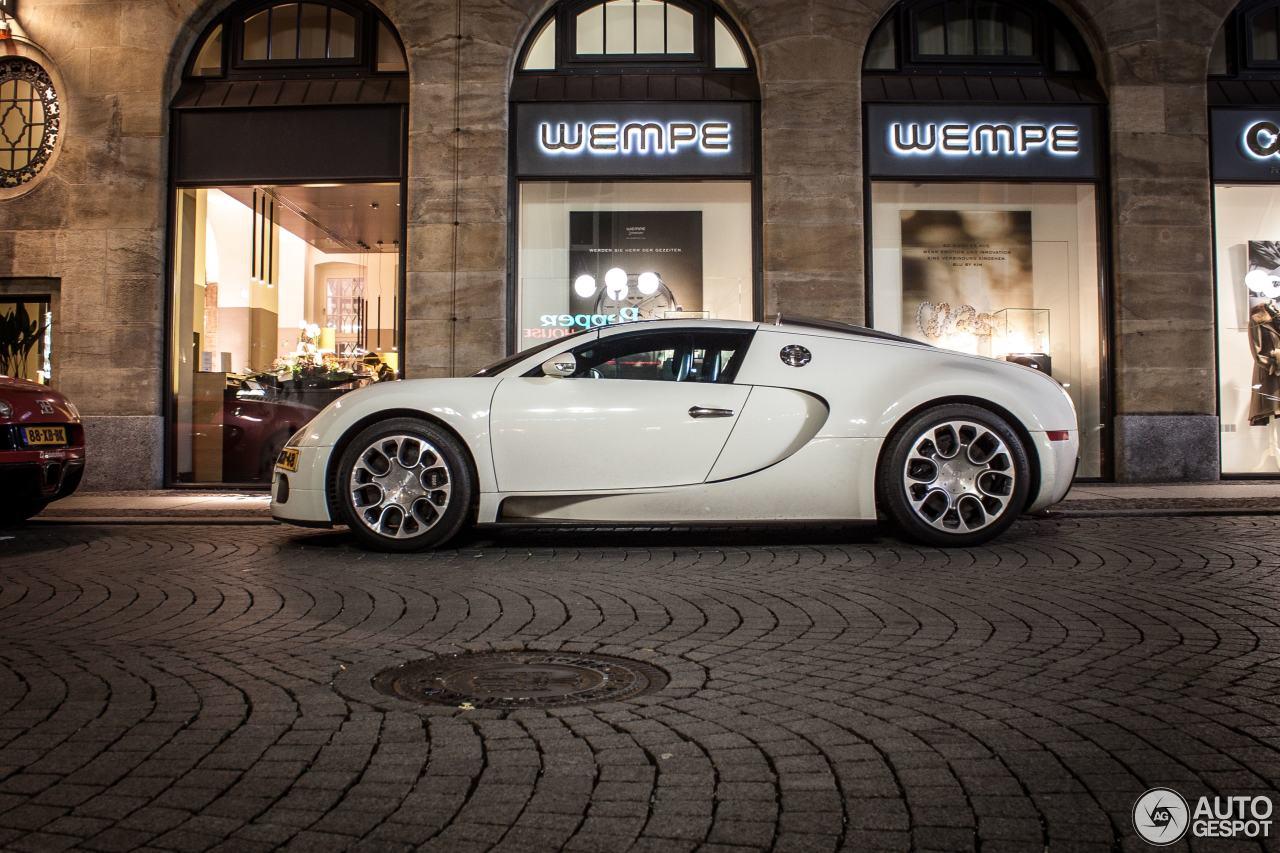 bugatti veyron 16 4 grand sport 29 april 2015 autogespot. Black Bedroom Furniture Sets. Home Design Ideas