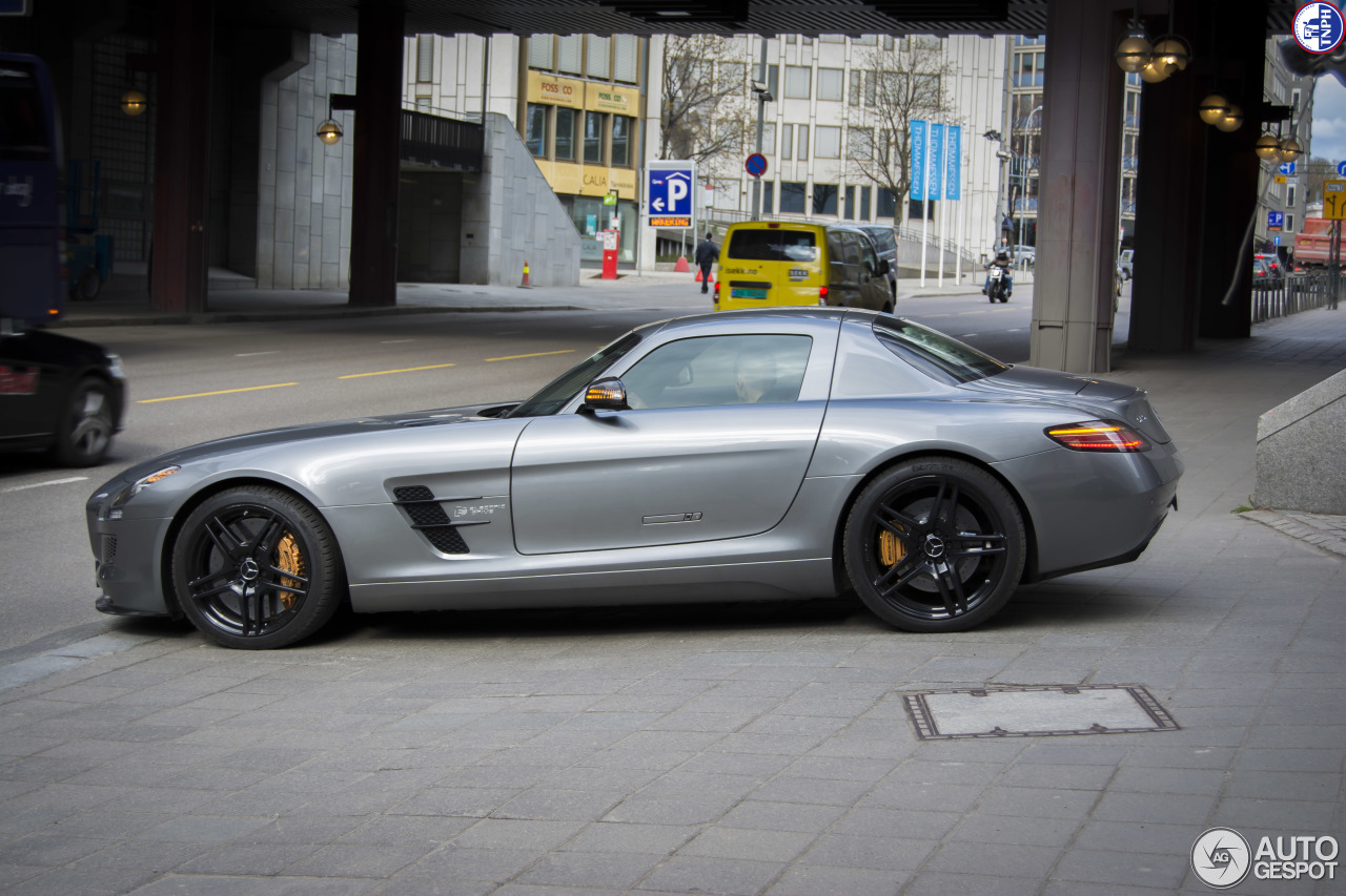Mercedes benz sls amg electric drive 30 april 2015 for Mercedes benz sls amg electric drive price