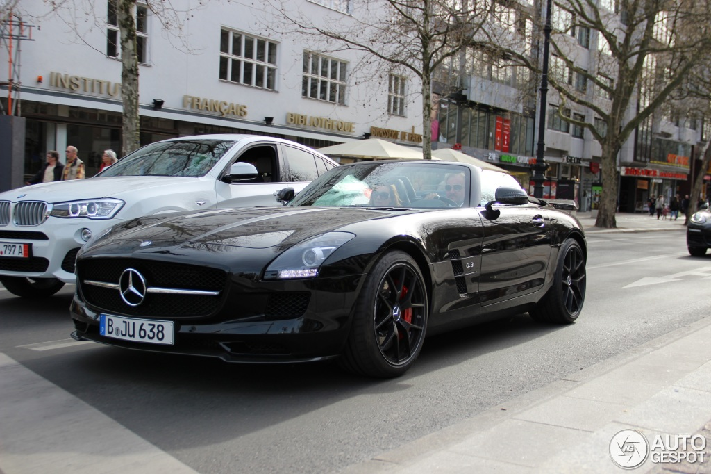 Mercedes benz sls amg gt roadster final edition 2 may for 2015 mercedes benz sls amg