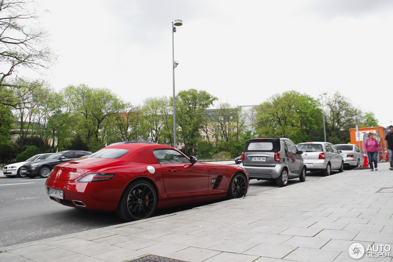 Mercedes benz sls amg gt roadster 4 mai 2015 autogespot for 2015 mercedes benz sls amg