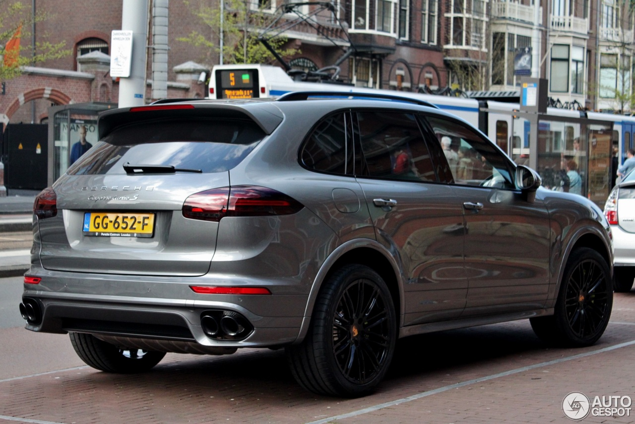 porsche 958 cayenne turbo s mkii 8 may 2015 autogespot. Black Bedroom Furniture Sets. Home Design Ideas