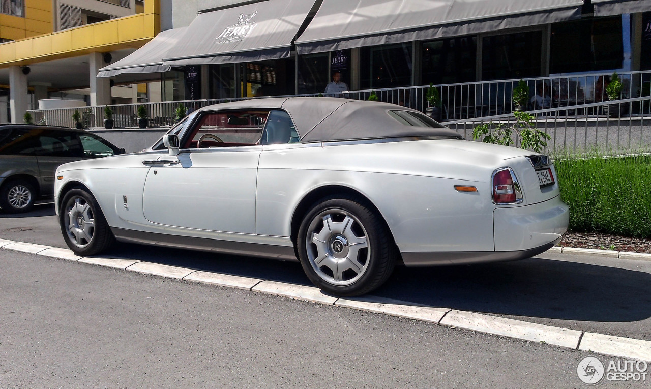 rolls royce phantom drophead coup 8 may 2015 autogespot. Black Bedroom Furniture Sets. Home Design Ideas