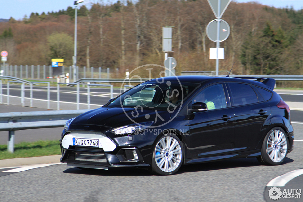 ford focus rs 2015 9 may 2015 autogespot. Black Bedroom Furniture Sets. Home Design Ideas