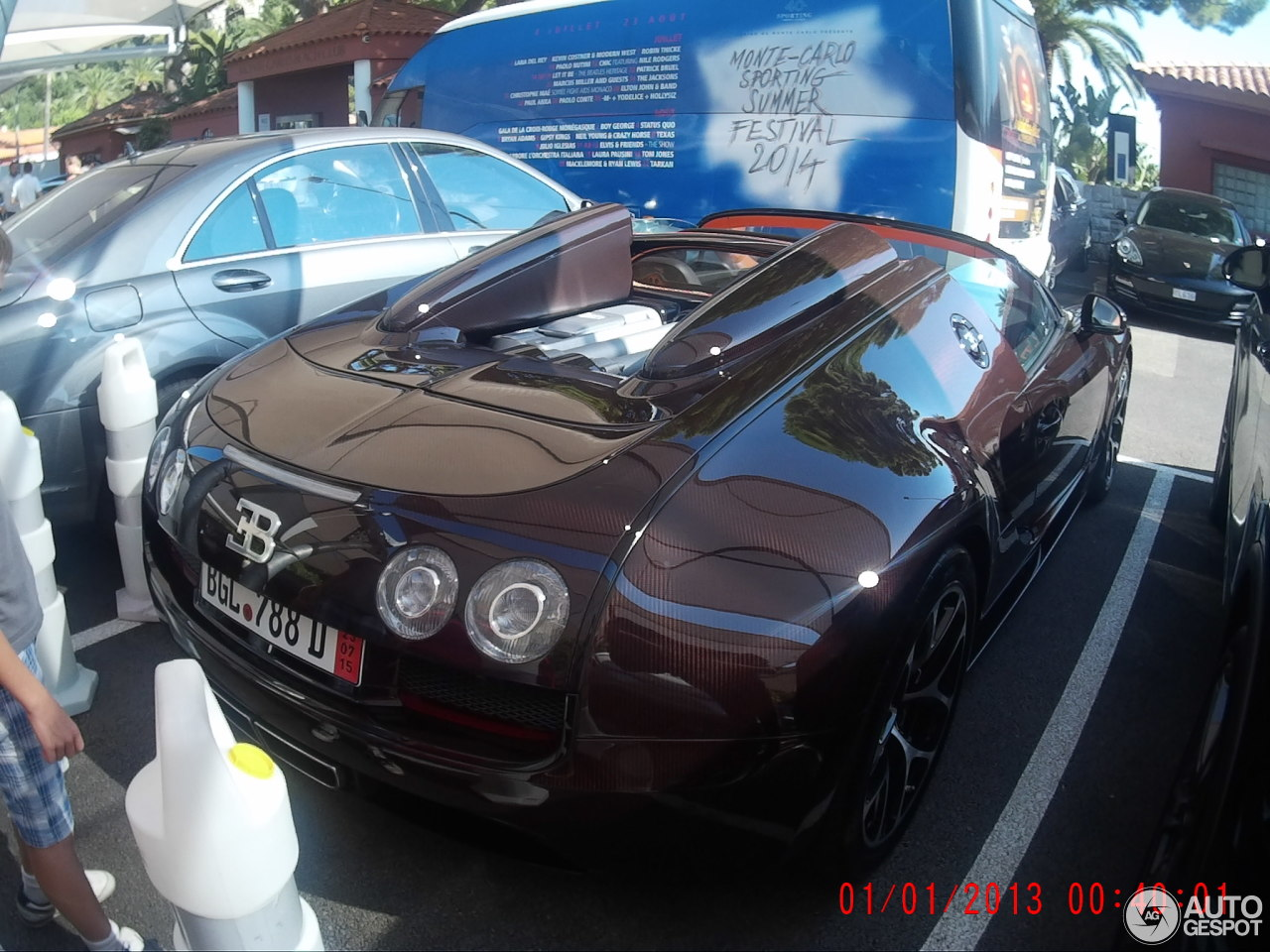 bugatti veyron 16 4 grand sport vitesse 10 mai 2015 autogespot. Black Bedroom Furniture Sets. Home Design Ideas