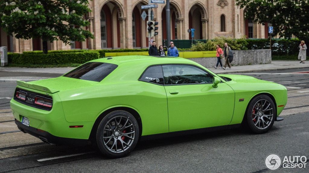 dodge challenger srt 8 392 2015 10 may 2015 autogespot. Black Bedroom Furniture Sets. Home Design Ideas