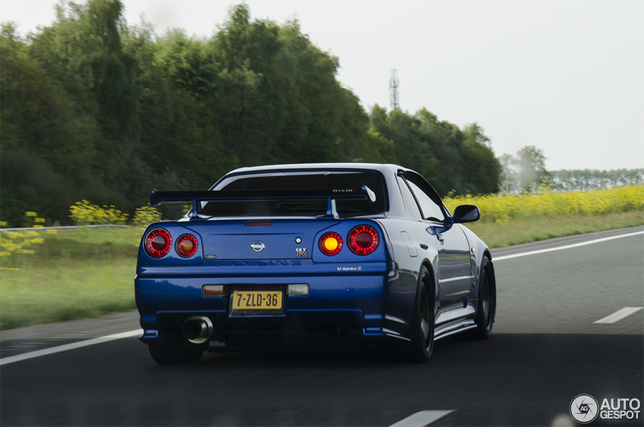 nissan skyline r34 gt r v spec 10 may 2015 autogespot. Black Bedroom Furniture Sets. Home Design Ideas