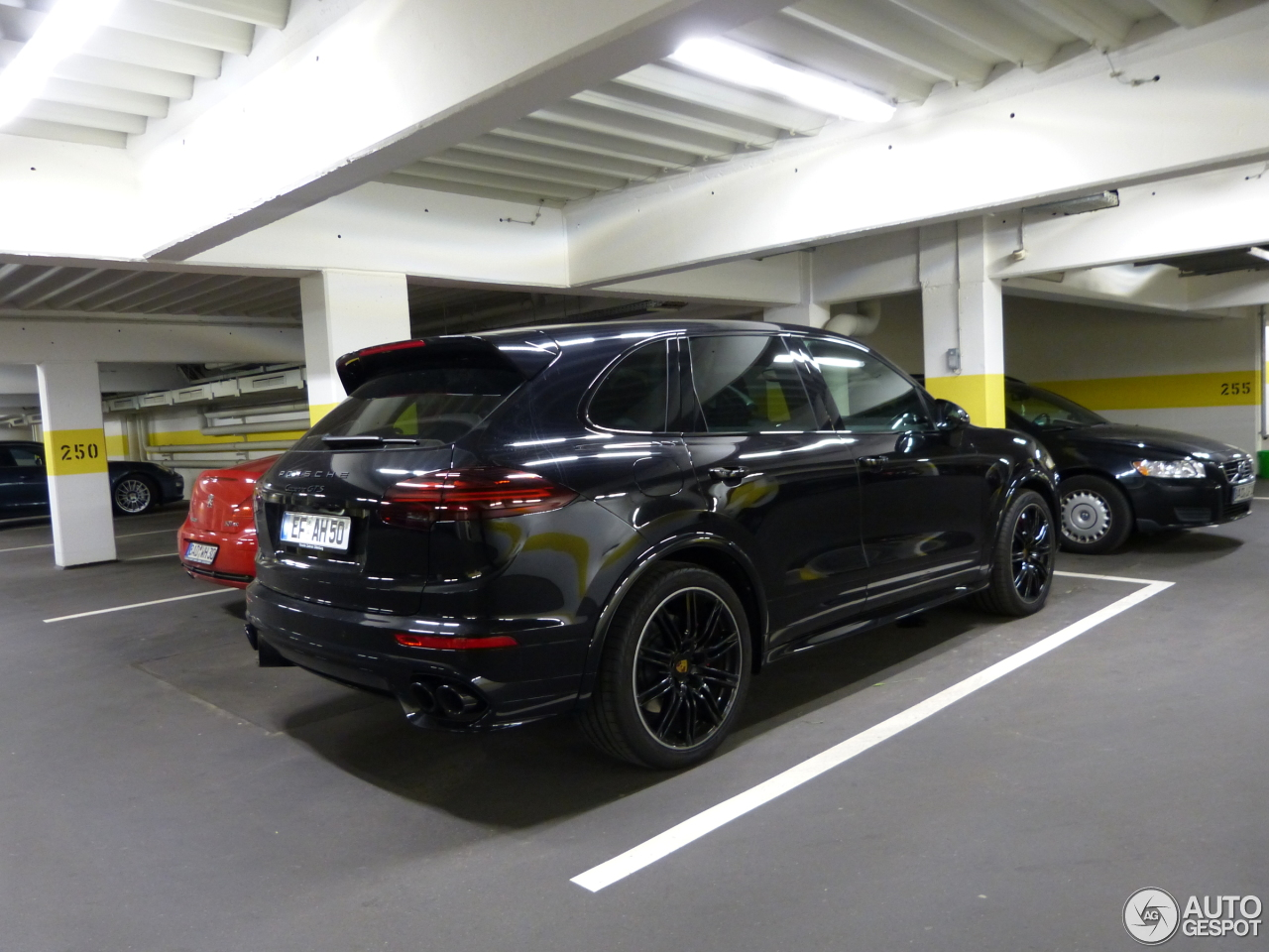 porsche 958 cayenne gts mkii 10 may 2015 autogespot. Black Bedroom Furniture Sets. Home Design Ideas