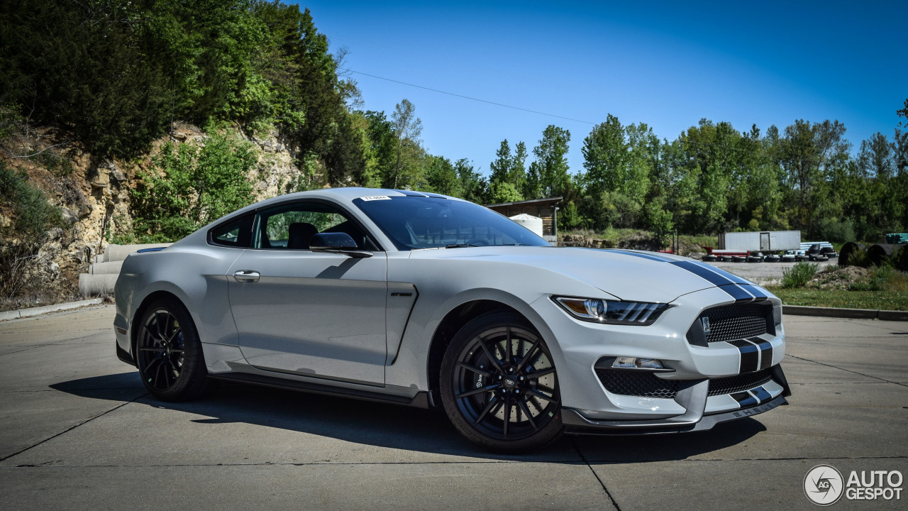 2017 Mustang Shelby Gt350 Black >> Ford Mustang Shelby GT 350 2015 - 15 May 2015 - Autogespot