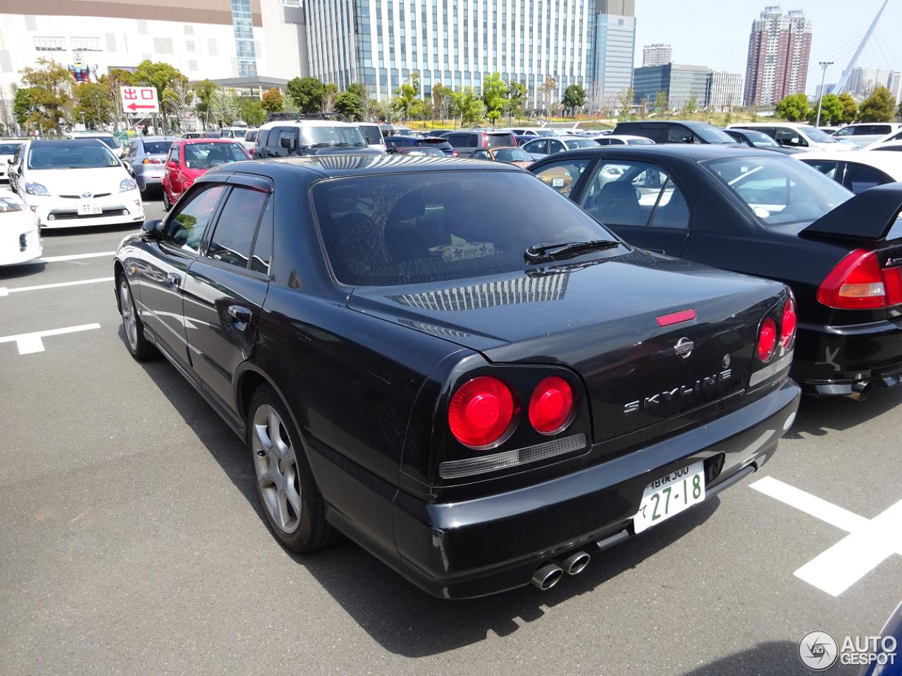 Nissan skyline r34 sedan 17 may 2015 autogespot 2 i nissan skyline r34 sedan 2 vanachro Images