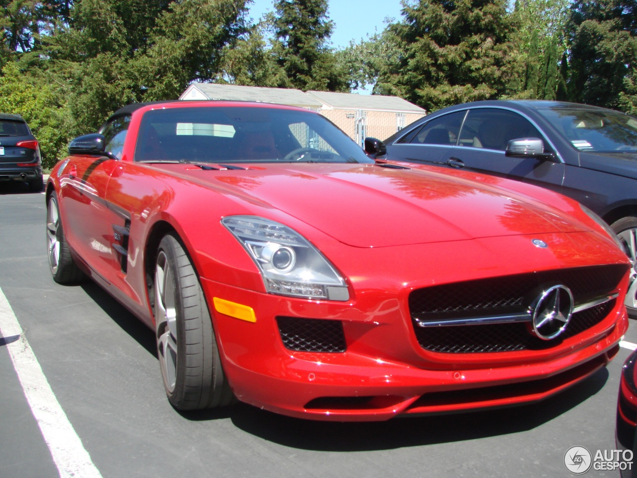 Mercedes benz sls amg gt roadster 18 may 2015 autogespot for 2015 mercedes benz sls amg for sale