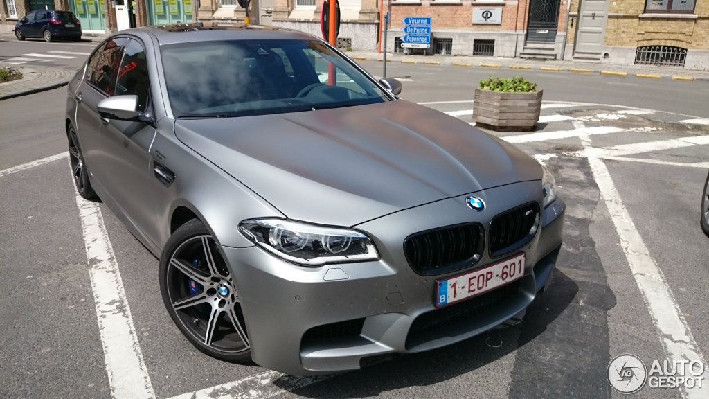 bmw m5 f10 30 jahre edition 20 may 2015 autogespot. Black Bedroom Furniture Sets. Home Design Ideas