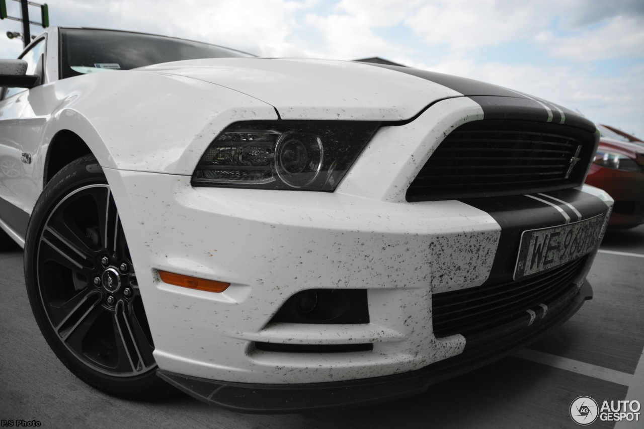 ford mustang gt california special 2013 24 may 2015 autogespot. Black Bedroom Furniture Sets. Home Design Ideas