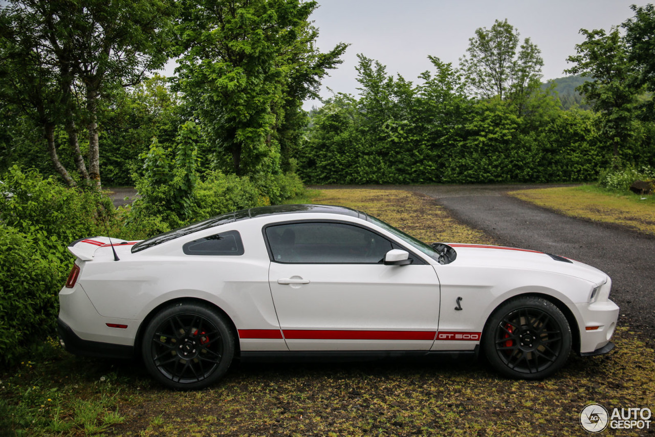 ford mustang shelby gt500 2011 25 mai 2015 autogespot. Black Bedroom Furniture Sets. Home Design Ideas