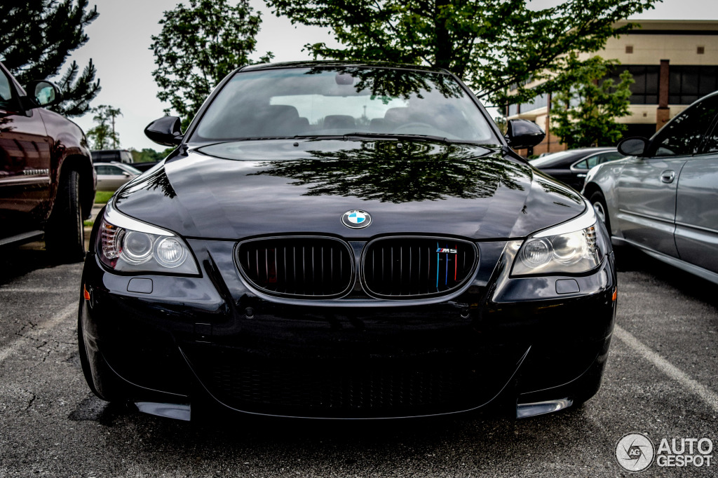 bmw m5 e60 2007 28 may 2015 autogespot. Black Bedroom Furniture Sets. Home Design Ideas