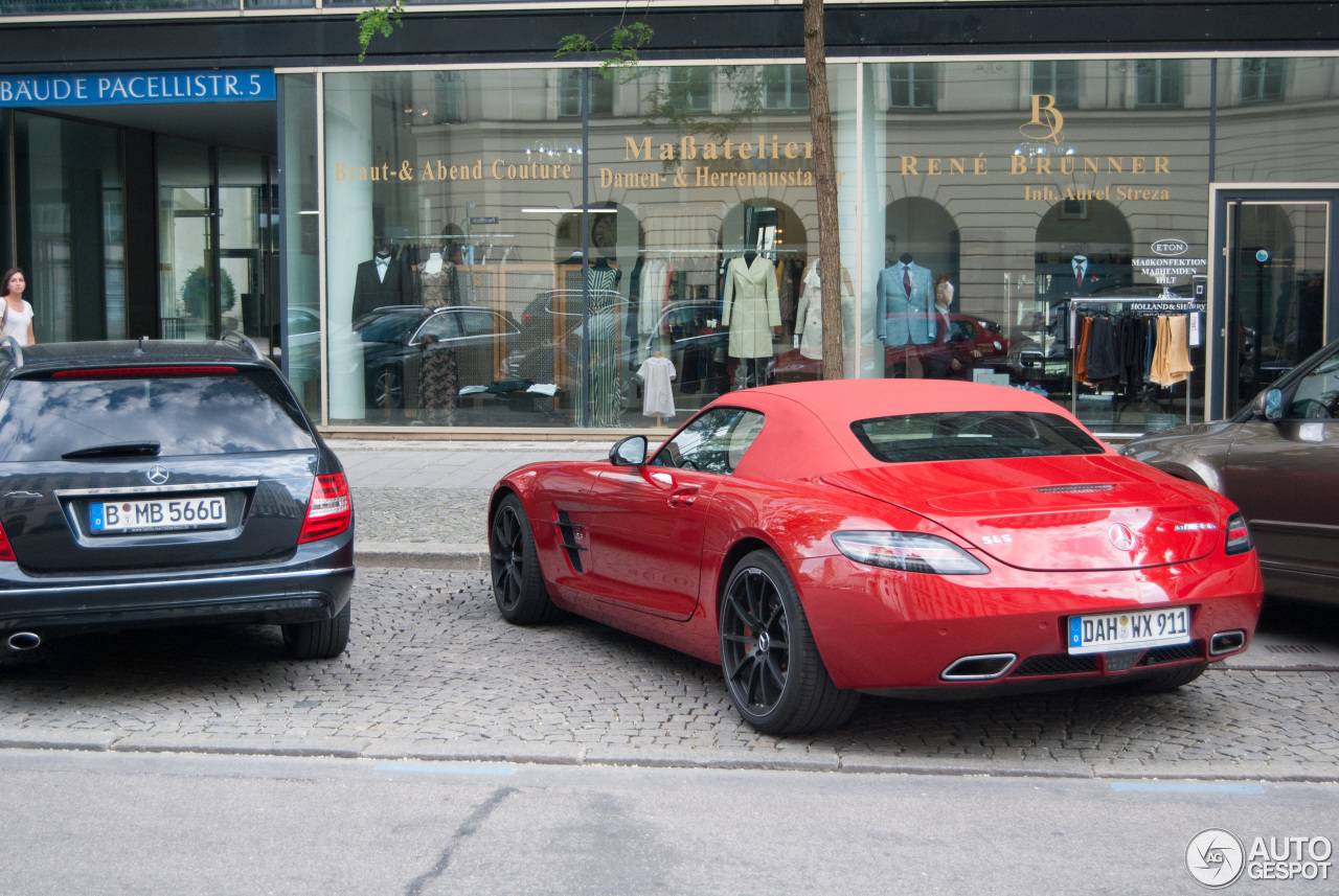 Mercedes benz sls amg gt roadster 1 june 2015 autogespot for 2015 mercedes benz sls amg convertible