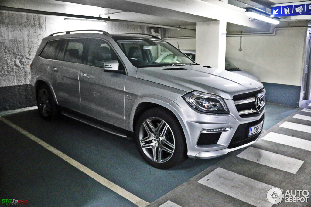 Mercedes benz gl 63 amg x166 4 june 2015 autogespot for 2015 mercedes benz gl