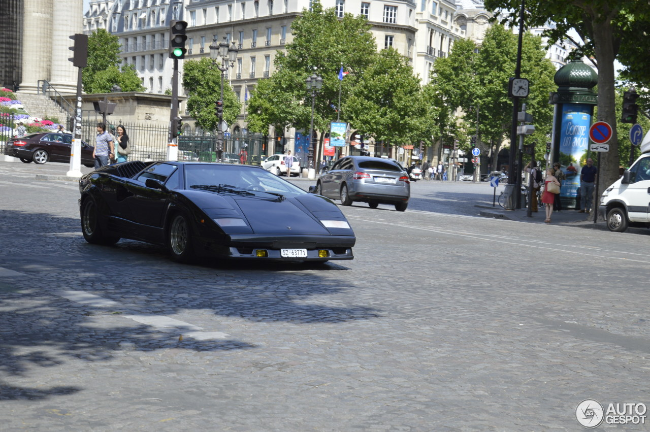 lamborghini countach 25th anniversary 7 juin 2015 autogespot. Black Bedroom Furniture Sets. Home Design Ideas