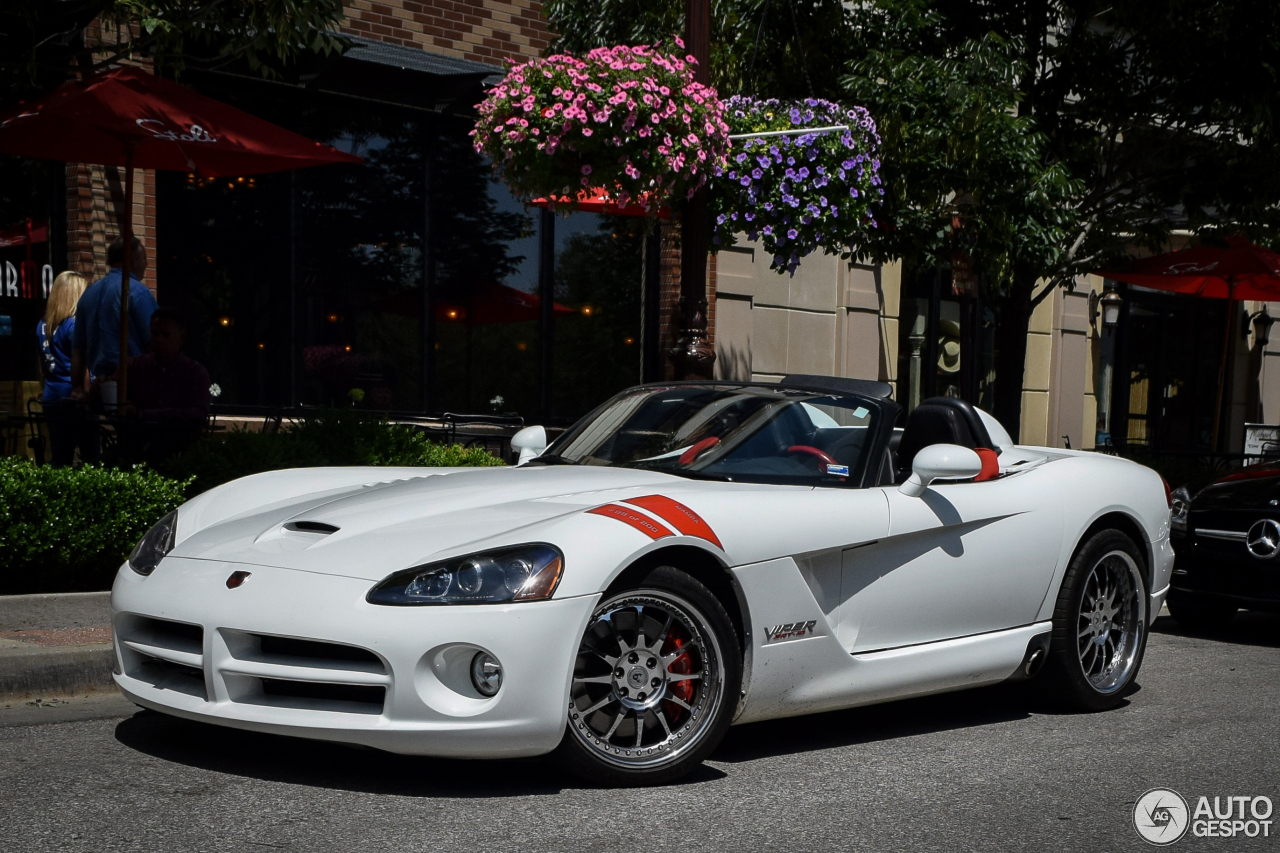 Dodge Viper 2017 Blue >> Dodge Viper SRT-10 Roadster White Mamba Edition - 10 June ...