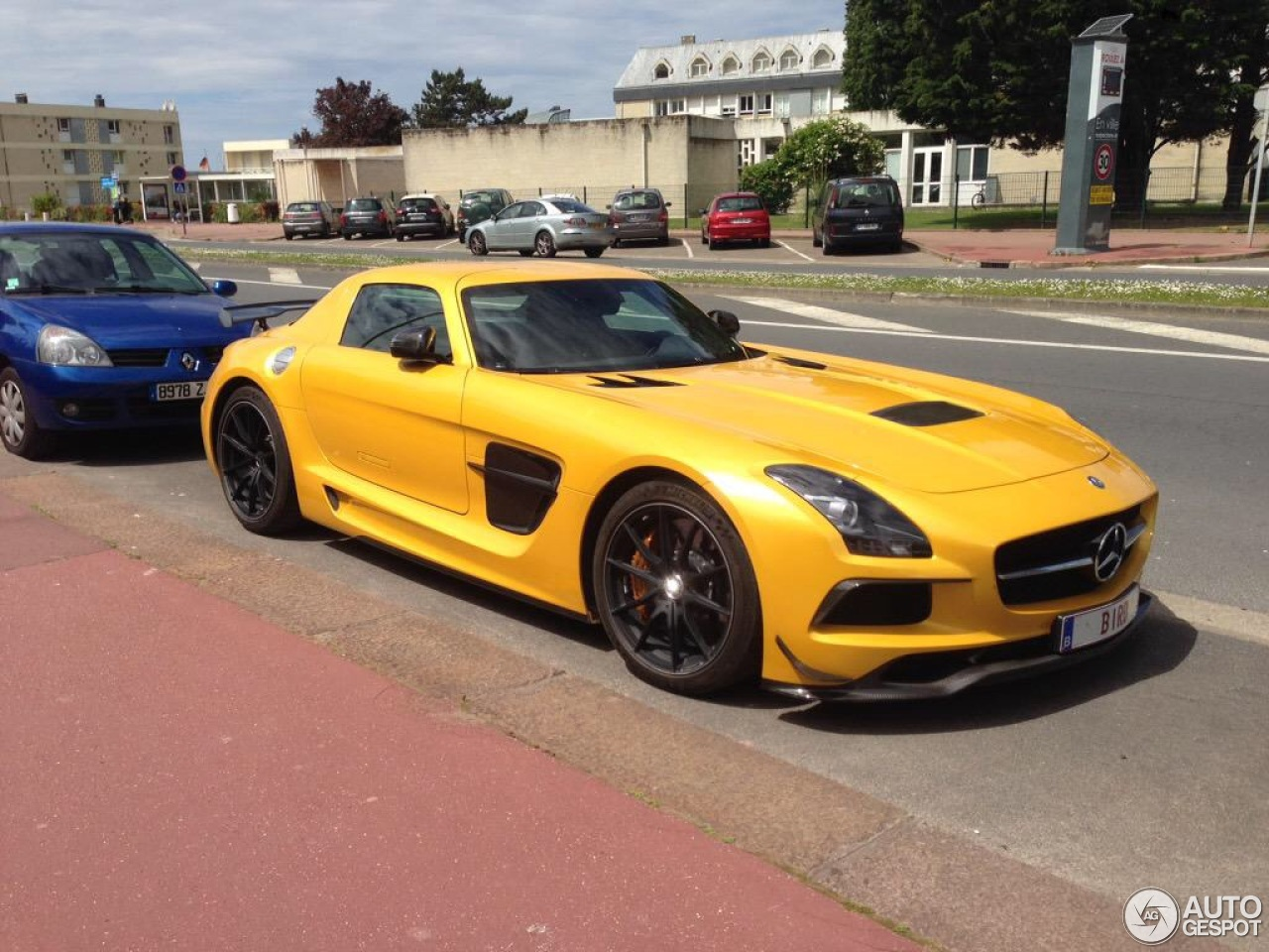 Mercedes benz sls amg black series 10 juin 2015 autogespot for 2015 mercedes benz sls amg