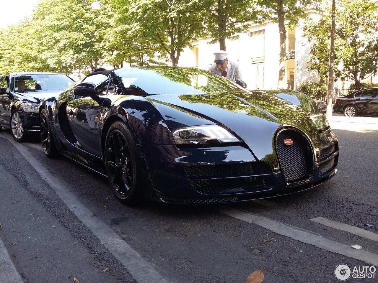 un bugatti veyron grand sport vitesse 2015 2015 bugatti. Black Bedroom Furniture Sets. Home Design Ideas