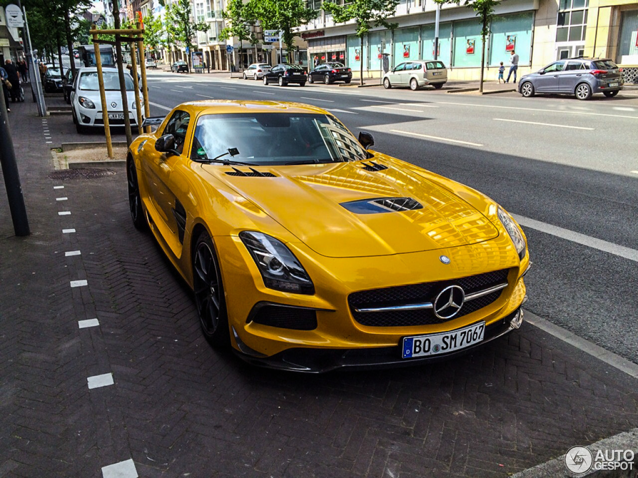 Mercedes benz sls amg black series 20 june 2015 autogespot for Mercedes benz sls black series