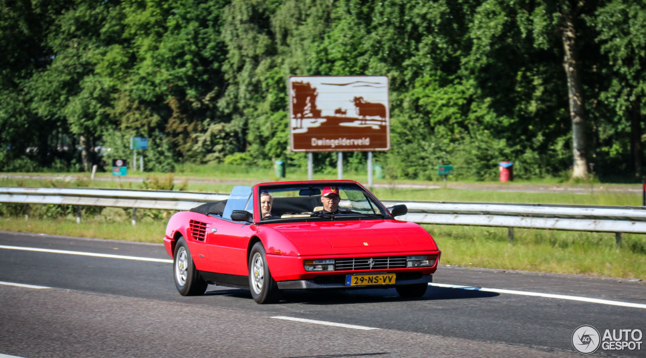 ferrari mondial 3 2 cabriolet 22 juni 2015 autogespot. Black Bedroom Furniture Sets. Home Design Ideas