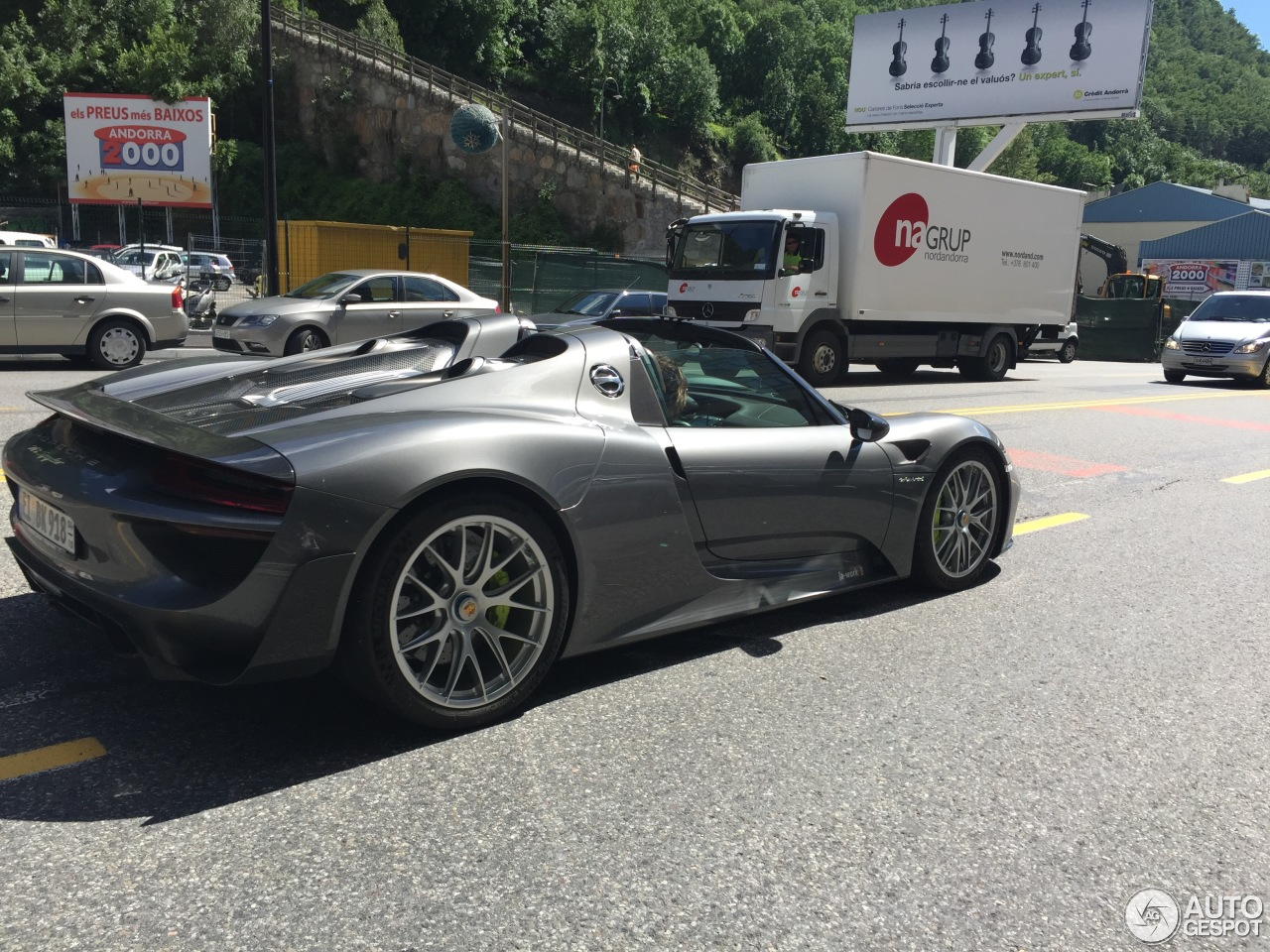 porsche 918 spyder weissach package 23 june 2015 autogespot. Black Bedroom Furniture Sets. Home Design Ideas
