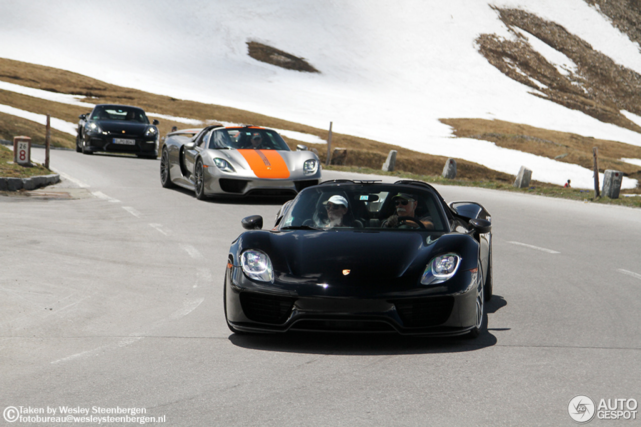 porsche 918 spyder weissach package 5 july 2015 autogespot. Black Bedroom Furniture Sets. Home Design Ideas