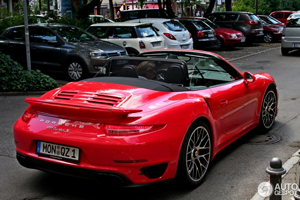 porsche 991 turbo s cabriolet 6 july 2015 autogespot. Black Bedroom Furniture Sets. Home Design Ideas