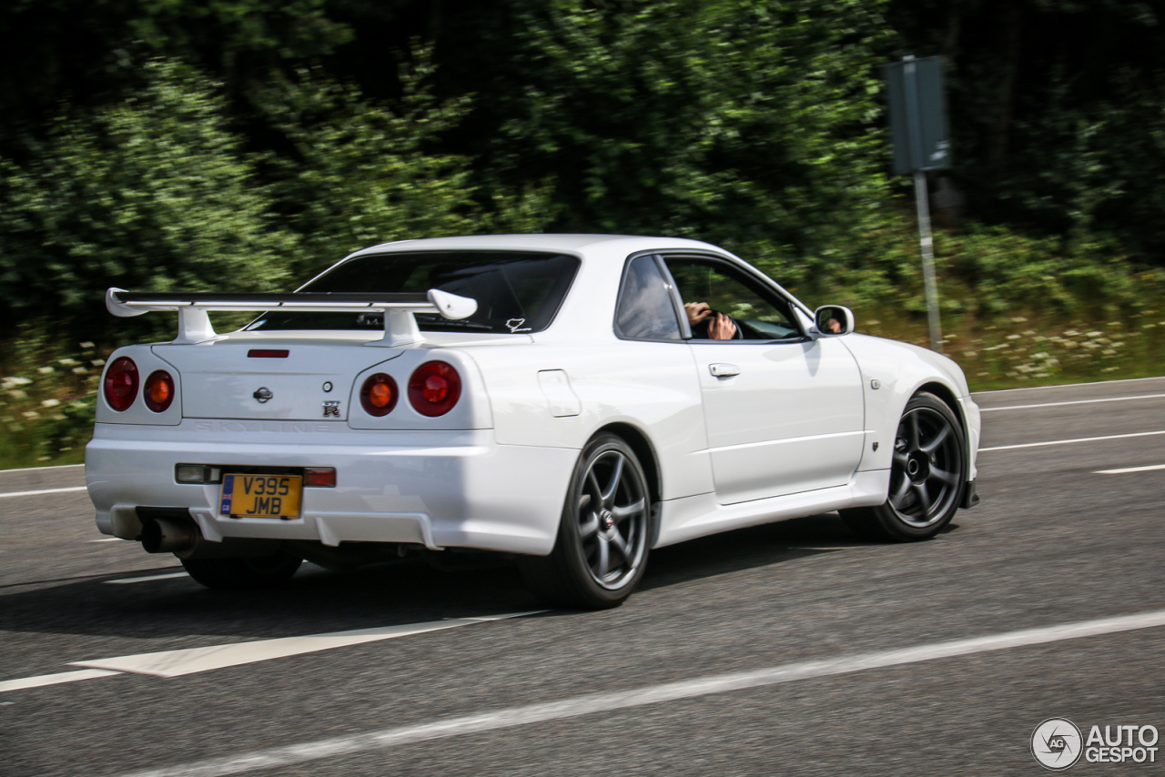 nissan skyline r34 gt r 12 july 2015 autogespot. Black Bedroom Furniture Sets. Home Design Ideas