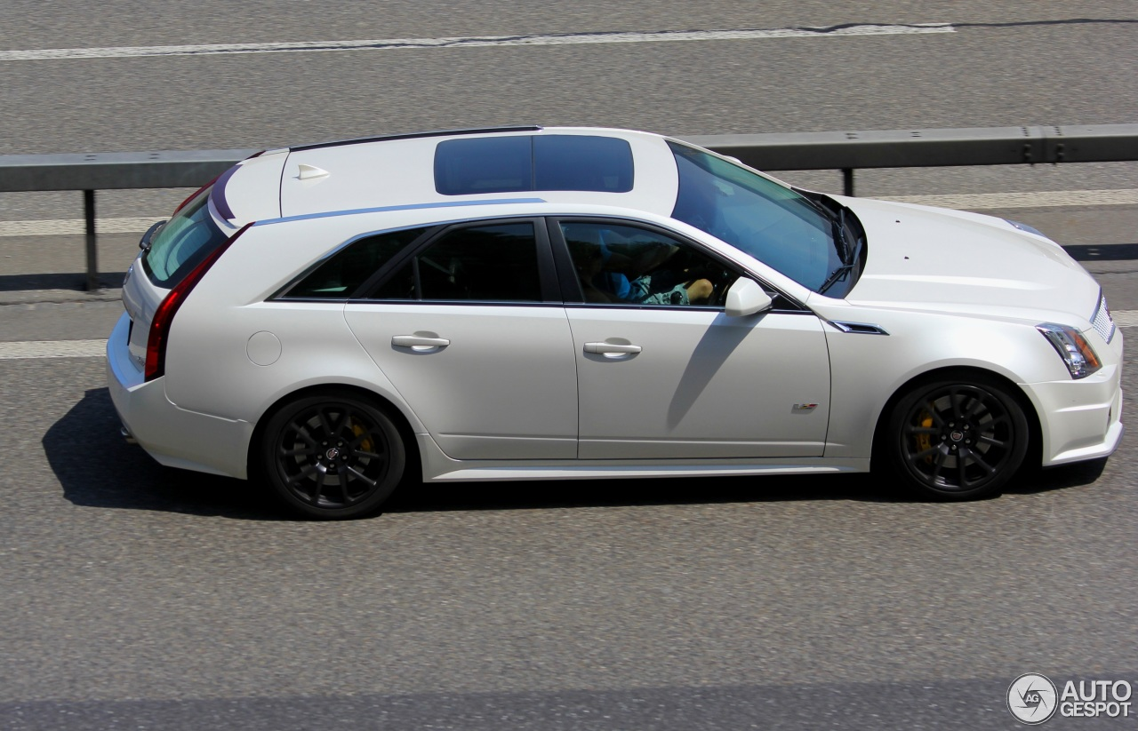 cadillac cts v sport wagon 13 july 2015 autogespot. Black Bedroom Furniture Sets. Home Design Ideas