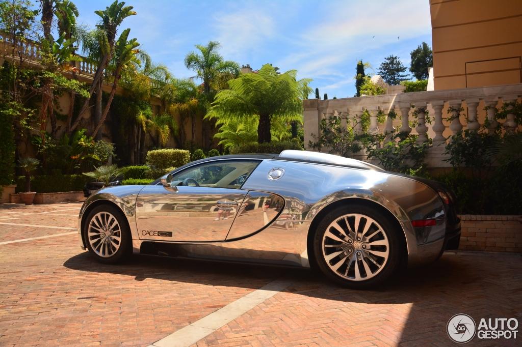 bugatti veyron 16 4 pur sang 14 july 2015 autogespot. Black Bedroom Furniture Sets. Home Design Ideas