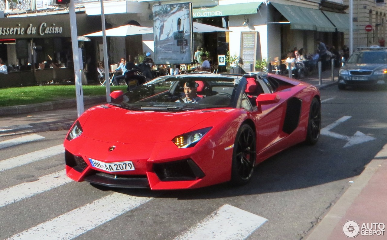 lamborghini aventador lp700 4 roadster 17 juillet 2015 autogespot. Black Bedroom Furniture Sets. Home Design Ideas