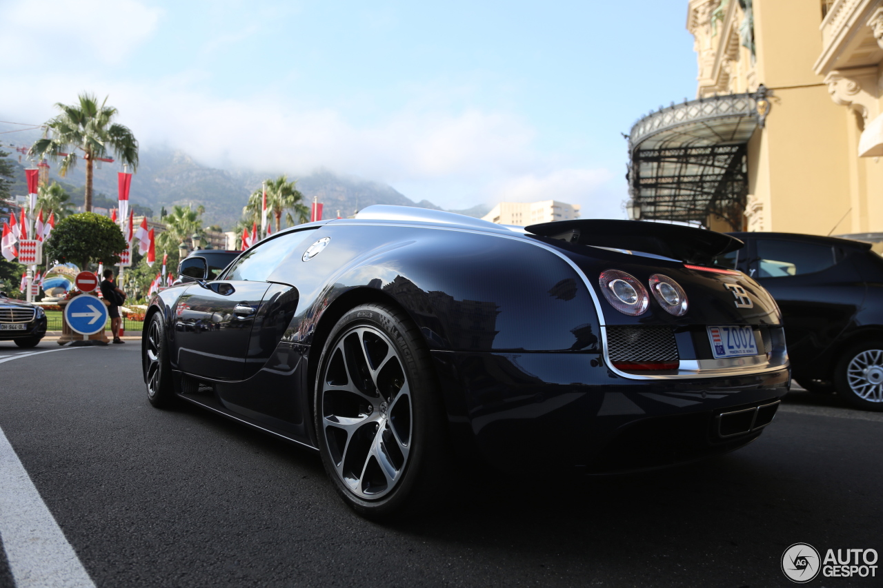 bugatti veyron 16 4 grand sport vitesse 18 july 2015 autogespot. Black Bedroom Furniture Sets. Home Design Ideas