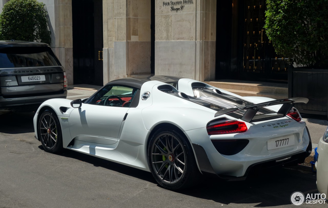 porsche 918 spyder weissach package 18 juillet 2015 autogespot. Black Bedroom Furniture Sets. Home Design Ideas