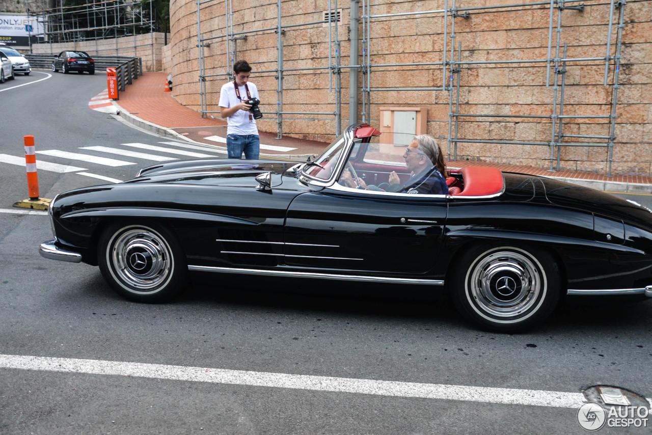 Mercedes benz 300sl roadster 23 juli 2015 autogespot for Mercedes benz 300 2015