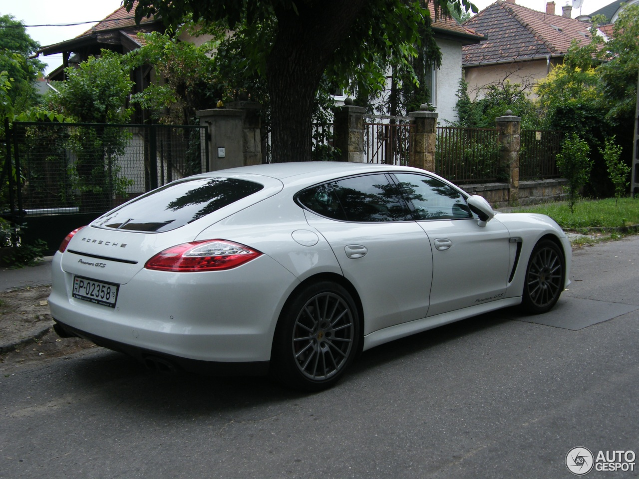 porsche panamera gts 23 july 2015 autogespot. Black Bedroom Furniture Sets. Home Design Ideas