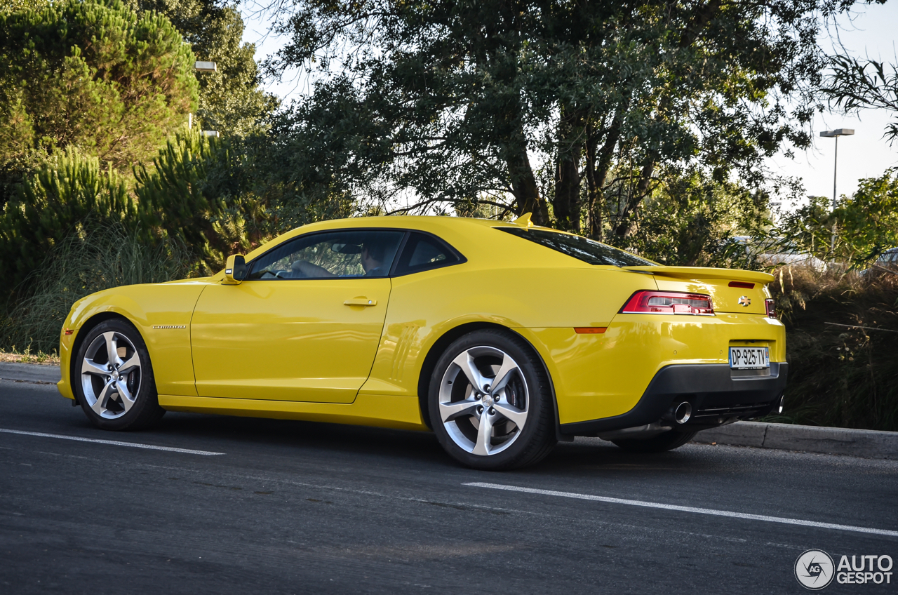 2014 camaro ss vs 2015 mustang gt reviews autos post. Black Bedroom Furniture Sets. Home Design Ideas