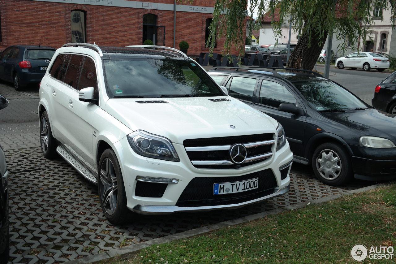 Mercedes benz gl 63 amg x166 27 july 2015 autogespot for Mercedes benz gl amg 2015