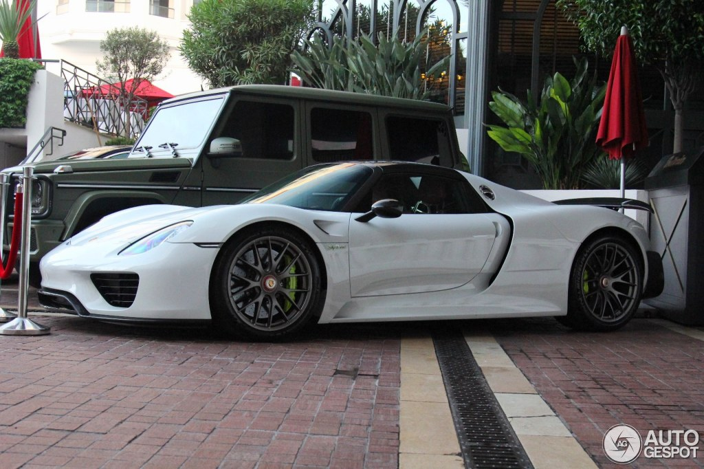 porsche 918 spyder weissach package white white porsche. Black Bedroom Furniture Sets. Home Design Ideas