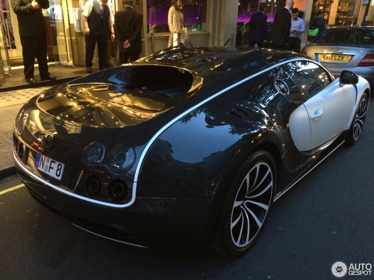 bugatti veyron 16 4 mansory vivere 28 july 2015 autogespot. Black Bedroom Furniture Sets. Home Design Ideas