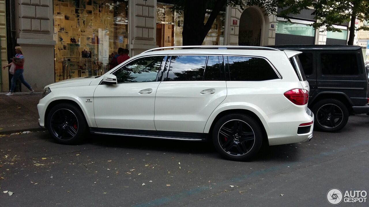 Mercedes benz gl 63 amg x166 28 july 2015 autogespot for Mercedes benz gl amg 2015